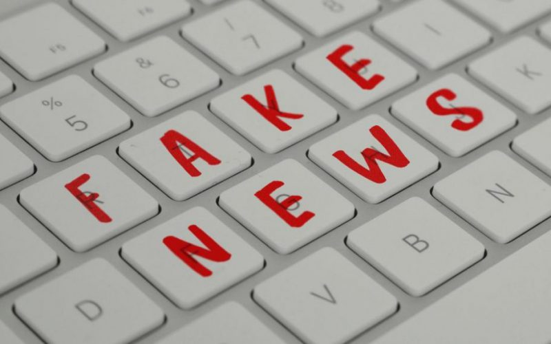 fake news clavier